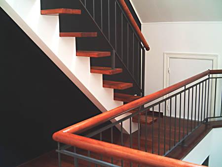 treppe mittelholm gel nder f r au en. Black Bedroom Furniture Sets. Home Design Ideas